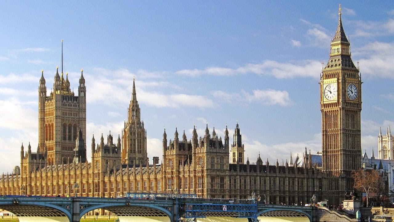London's top sights: walking tour with fun local guide london.